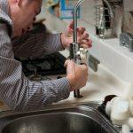 Раковина - неотъемлемый элемент в ванной и кухне
